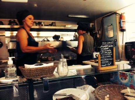 Tisdagsmarknad, food truck och för små portioner